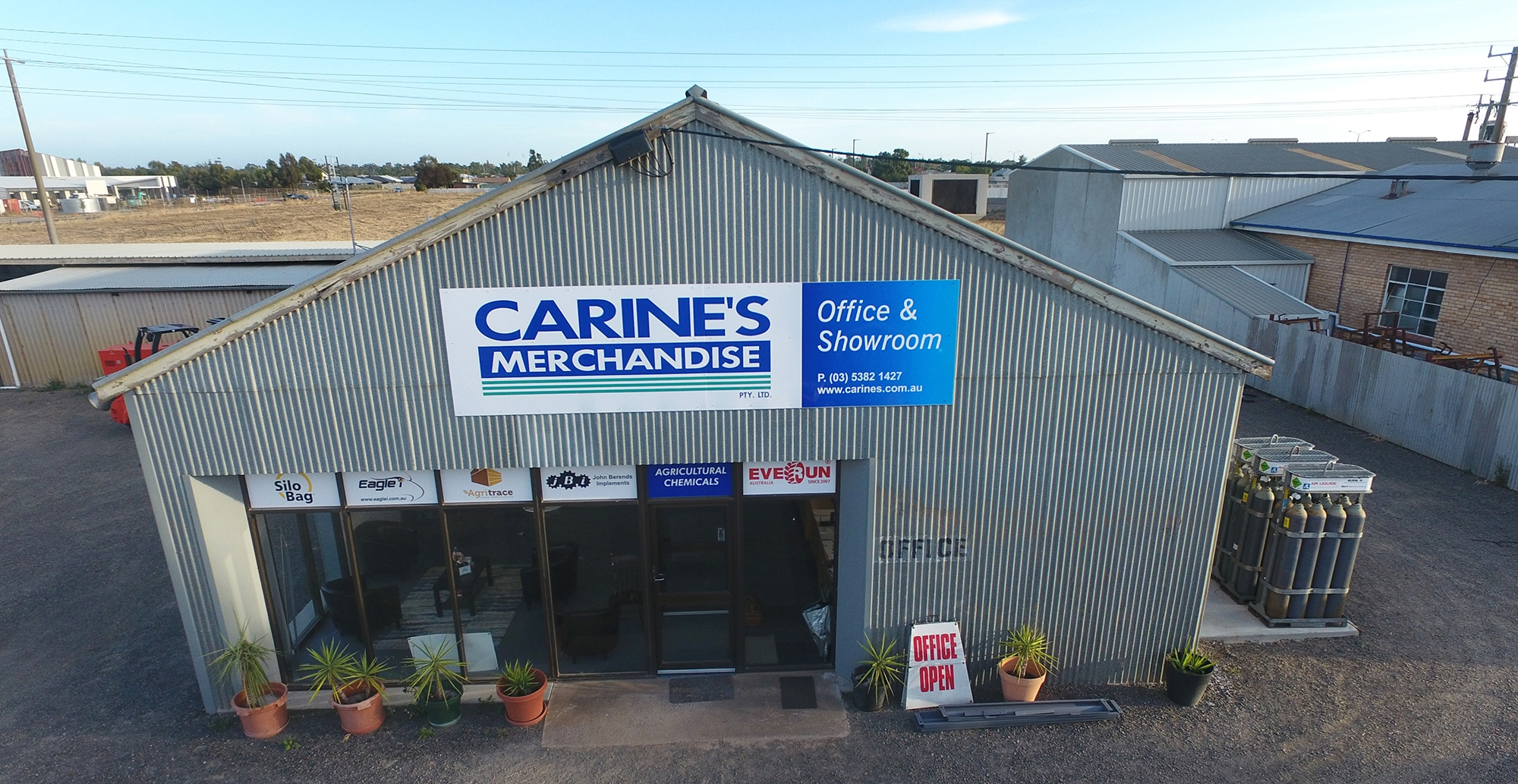 Carines-merchandise-specials