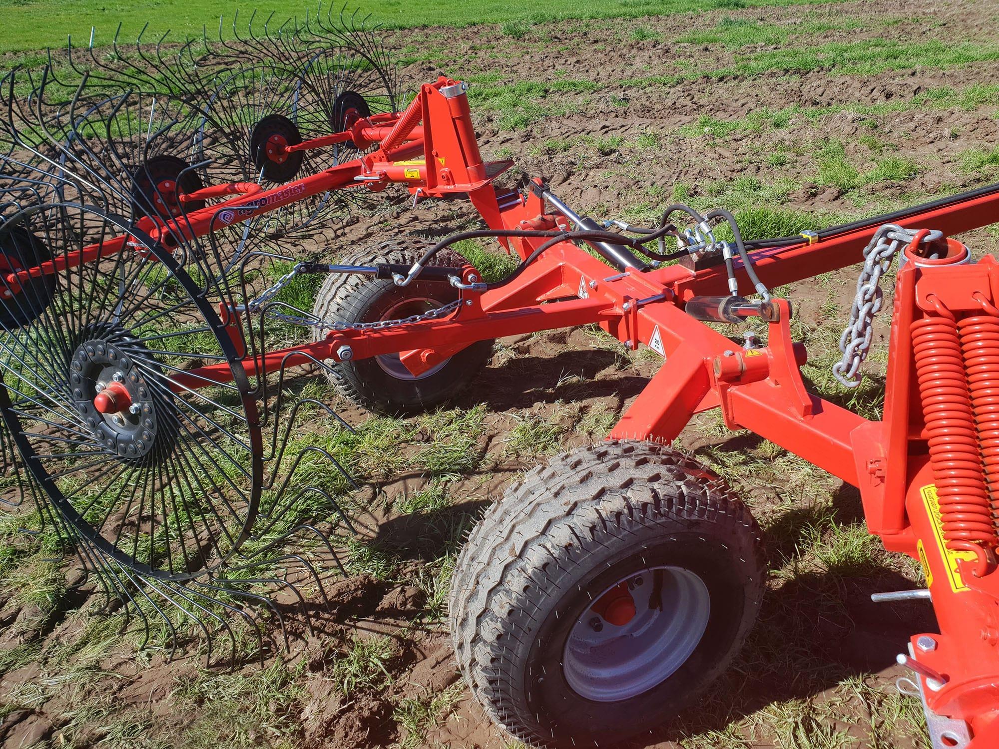 Carine's Merchandise FarmTech trailed finger rake -2